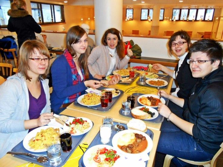 Polsko-chorwackie towarzystwo przy obiadku / fot. L. Frankijć